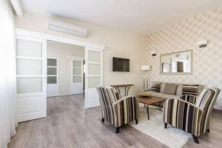 Budapest kiadó lakás, Terézváros, Andrássy út, 75 négyzetméteres