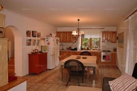 Eladó családi ház Balatonfüred, 4+1 szobás