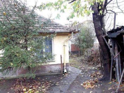 Solti családi ház eladó, 73 négyzetméteres, 2 szobás