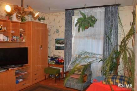 Komló eladó lakás a Bajcsy-Zsilinszky utcában