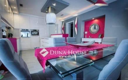 Budapest eladó családi ház Budatétényen a Piroska közben, 130 négyzetméteres