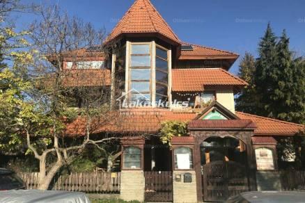 Családi ház eladó Gyenesdiás, 246 négyzetméteres
