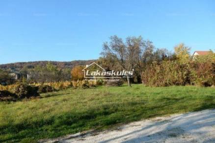 Balatonfüredi telek eladó, 3200 négyzetméteres