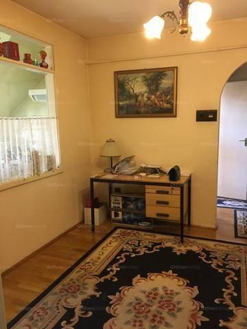 Eladó lakás, Székesfehérvár, 4 szobás
