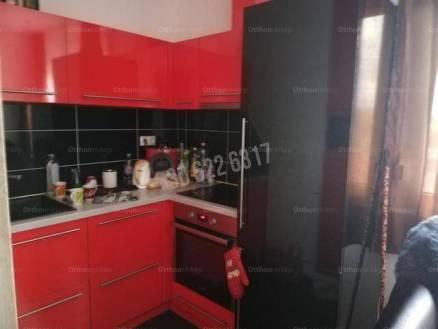 Eladó lakás Tata, 2 szobás