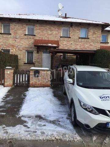 Eladó lakás Tata, 4 szobás