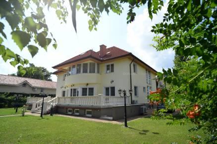 Családi ház eladó Budapest, Csillaghegy Kalászi köz, 600 négyzetméteres