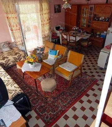 Dombóvár 2+2 szobás nyaraló eladó