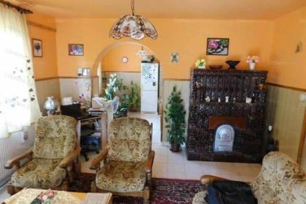Balatonszabadi eladó családi ház, 5 szobás, 195 négyzetméteres