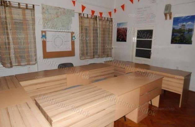 Ádándi eladó családi ház, 4 szobás, 118 négyzetméteres