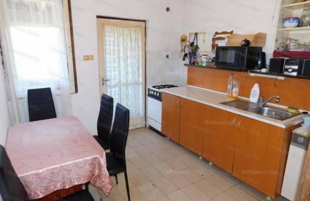 Ádándi családi ház eladó, 80 négyzetméteres, 2+1 szobás