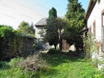 Keszthelyi eladó családi ház, 4+1 szobás, 200 négyzetméteres