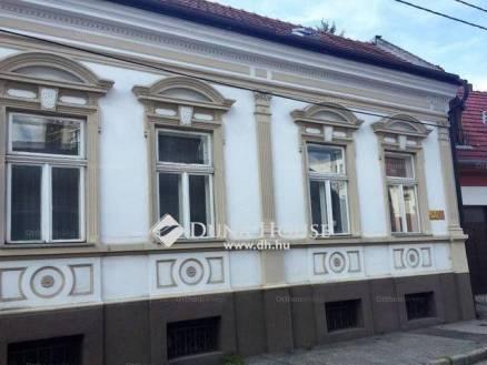 Pécsi kiadó családi ház, 5 szobás, a Tavasz utcában