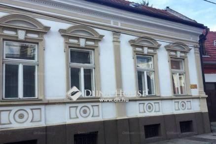 Kiadó családi ház Pécs a Tavasz utcában, 5 szobás