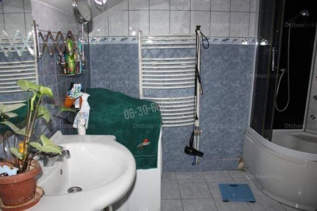 Eladó 3 szobás lakás Dunaújváros