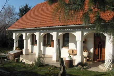 Eladó családi ház, Pannonhalma, 5 szobás