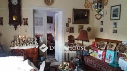 Alattyán eladó családi ház