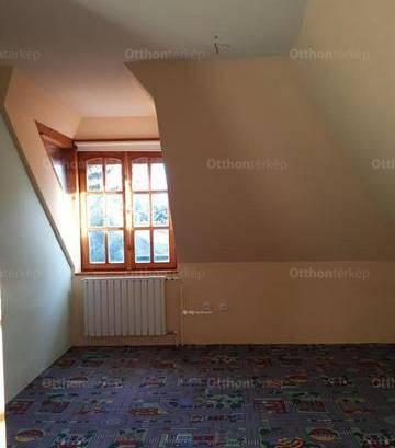 Budapest eladó családi ház, Felhévíz, Komjádi Béla utca, 254 négyzetméteres