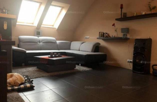 Székesfehérvári családi ház eladó, 200 négyzetméteres, 3 szobás