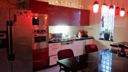 Tatabányai sorház eladó, 122 négyzetméteres, 3 szobás