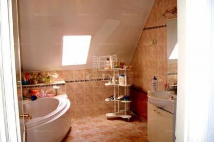 Budapest 8 szobás családi ház eladó