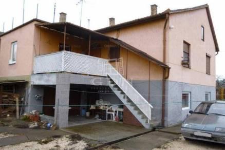 Szob eladó családi ház