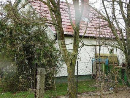 Eladó családi ház Kecskemét, 1 szobás