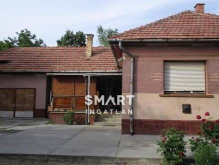 Lakiteleki eladó családi ház, 2+1 szobás, a Bánk bán utcában