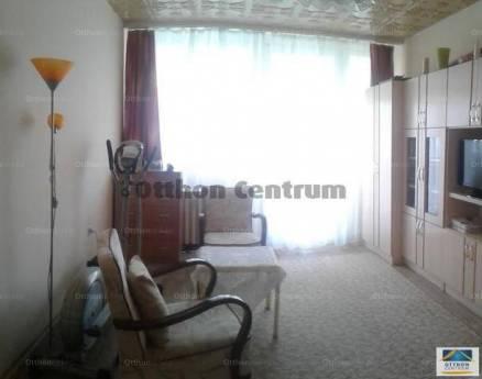Eladó lakás Szekszárd, Dienes Valéria utca, 3 szobás