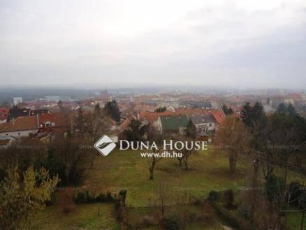 Pécs 4 szobás ikerház eladó