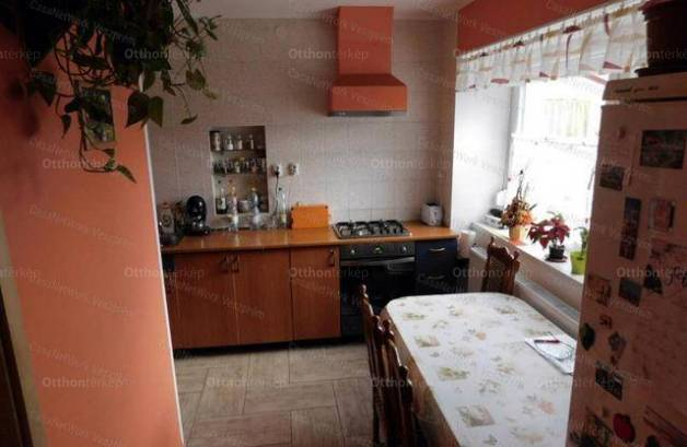 Eladó sorház, Veszprém, 2 szobás