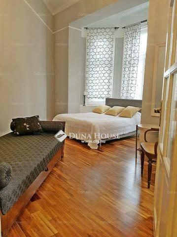 Eladó lakás, Budapest, Belváros, Váci utca, 3 szobás