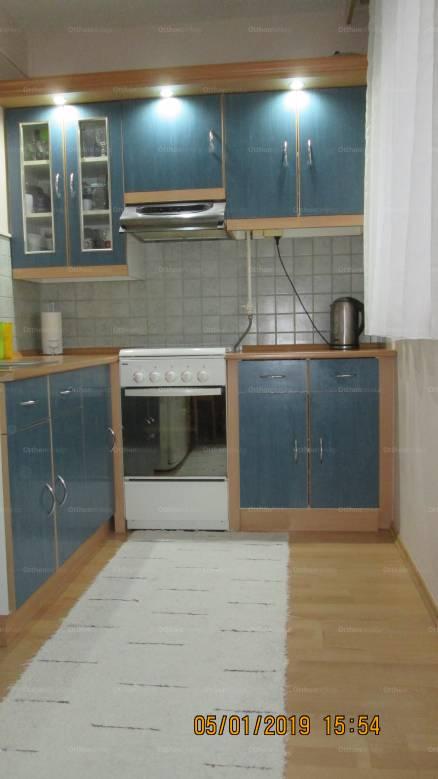 Eladó 2 szobás lakás Baja, Duna utca 13.