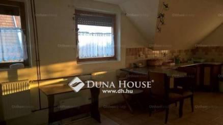 Vác 6+3 szobás családi ház eladó