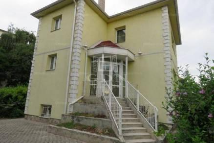 Kiadó 4 szobás családi ház Székesfehérvár