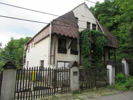 Miskolci családi ház eladó Juhász Gyula utca 11-ben, 150 négyzetméteres