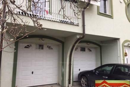 Szegedi családi ház eladó, 760 négyzetméteres, 12+2 szobás