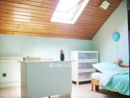Eladó 4+2 szobás ikerház Érd