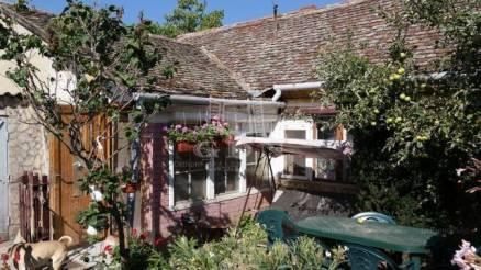 Pécsvárad családi ház eladó, Zengő utca, 2 szobás