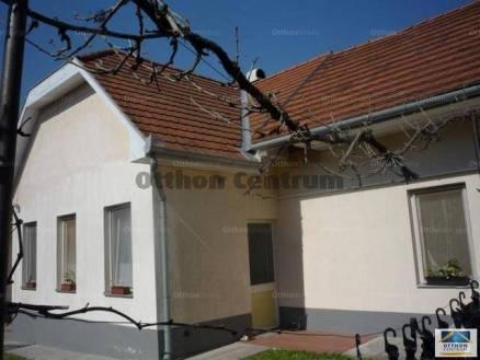 Kecskemét 2+1 szobás családi ház eladó