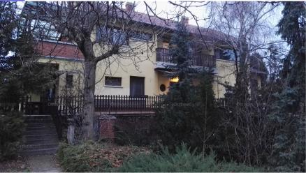 Családi ház eladó Budapest, Budatétény Háros utca, 300 négyzetméteres