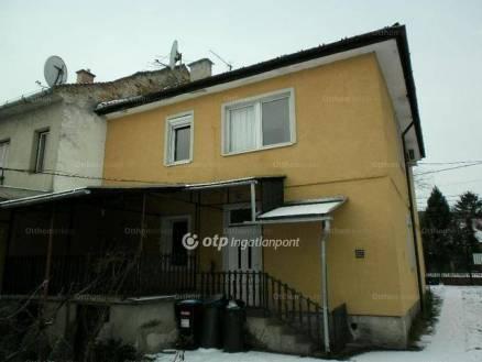 Budapest eladó ikerház Mocsárosdűlőn, 158 négyzetméteres