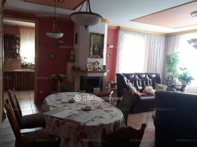 Eladó családi ház, Debrecen, 4+1 szobás