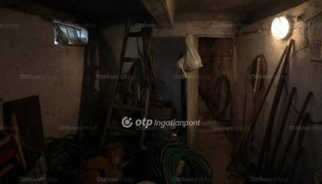 Debreceni eladó telek, 1406 négyzetméteres