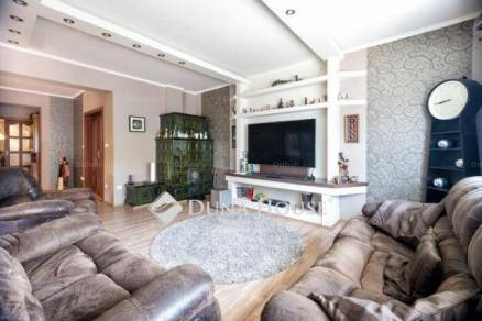 Székesfehérvár 4+1 szobás családi ház eladó