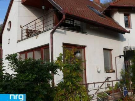 Pécsi családi ház eladó, 140 négyzetméteres, 5 szobás