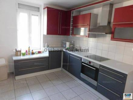 Eladó lakás Sopron, 2 szobás
