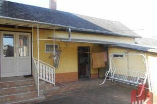 Családi ház eladó Buják, 200 négyzetméteres