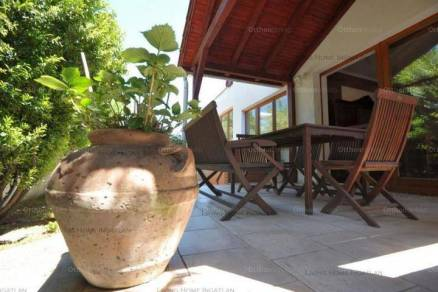 Budapest, családi ház eladó, Csillaghegy, 5+2 szobás