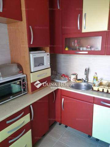 Pécs 1+1 szobás lakás kiadó a Földes Ferenc utcában